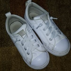 Converse•Chuck Taylor Street Slip Leather Sneakers